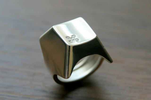 Command-key-Ring.