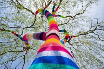 street_art_june_2_yarn_crochet